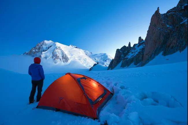 کمپ زدن در زمستان/نحوه کمپ زدن در زمستان و همه نکاتی که باید بدانید!