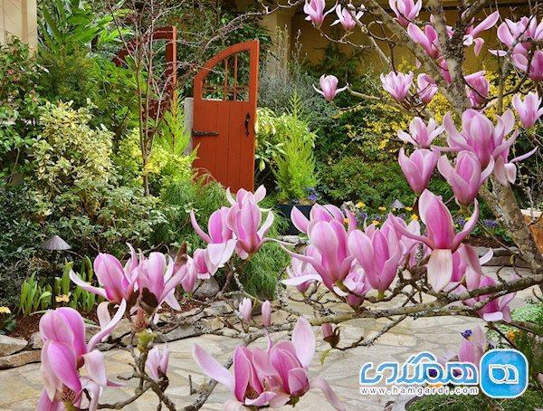 برای میل غذا در باغ های گل بوچارت، به کجا برویم؟