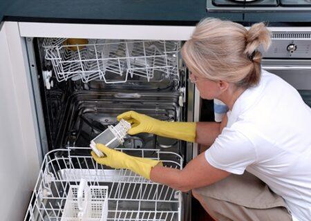 روش صحیح نظافت و جرم گیری ماشین ظرفشویی
