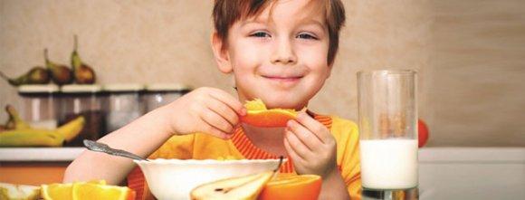 صبحانه خوردن کودکان