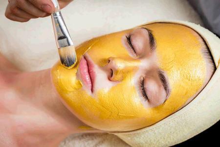 ۱۰ ماسک صورت موز که می توانند تاثیر خوبی روی پوست تان بگذارند