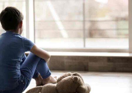 نشانههای افسردگی در کودکان/چرا کودکان افسرده میشوند؟