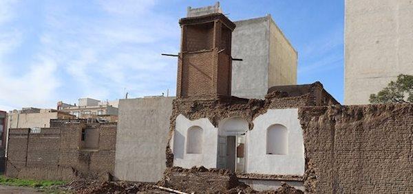 فرو ریختن بخشی از خانه تاریخی نادری