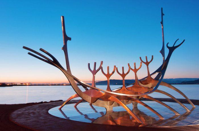 مجسمه خورشید مسافر در ایسلند