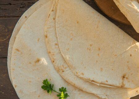 طرز تهیه نان لواش در خانه؛ فوری و خوشمزه