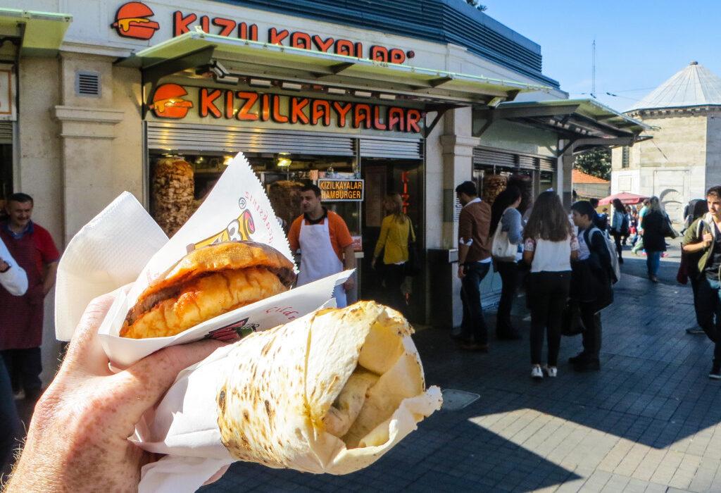 آشنایی با بهترین غذاهای خیابانی استانبول