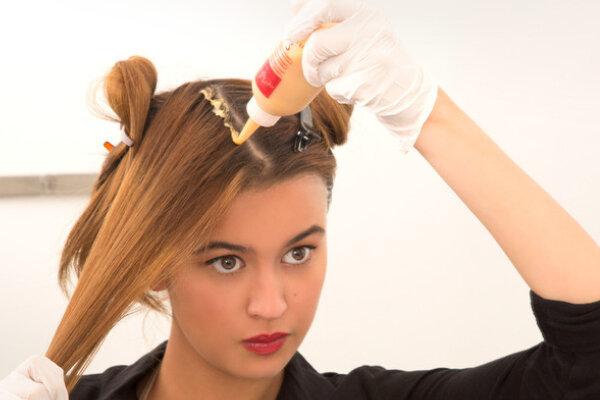 ضرر رنگ کردن مو
