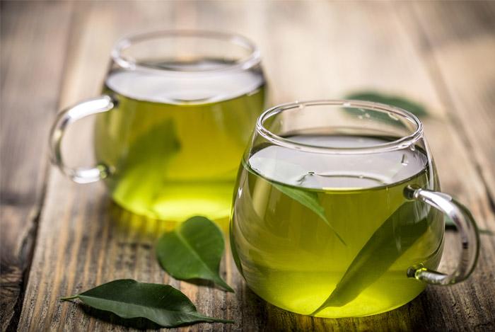 سم زدایی بدن با نوشیدن چای سبز