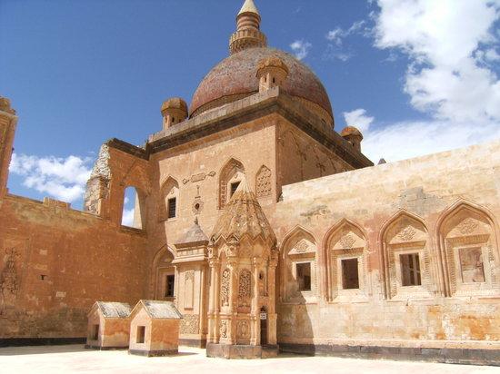 سرای اسحاق پاشا Ishak Pasha Palace