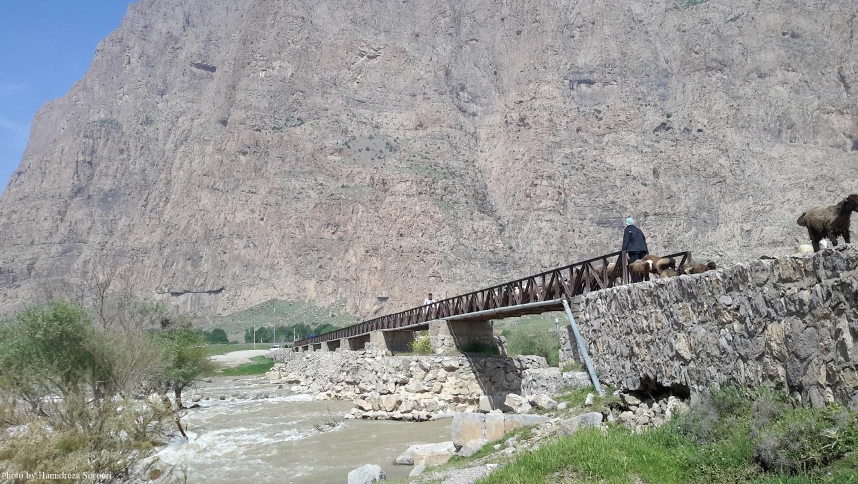 آشنایی با پل خسرو در بیستون