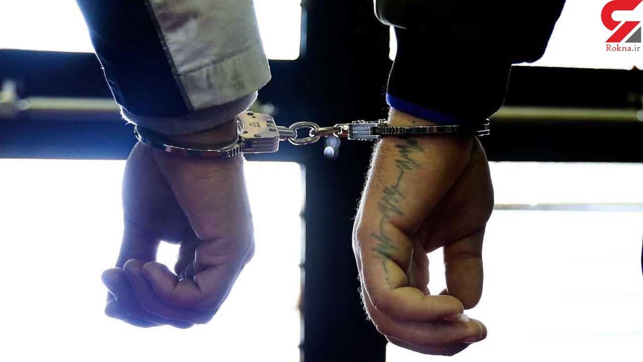 دستبند پلیس البرز بر دستان سارق لوازم خودرو