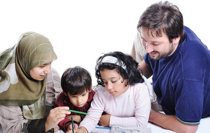 والدین به  کنترل و مدیریت استرس ناشی  از کرونا در میان فرزندان توجه نمایند