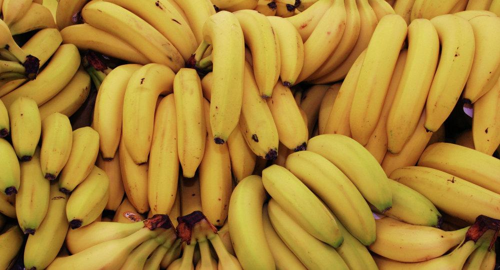 پوست خود را با این میوه ها شاداب کنید