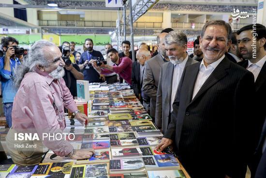 چکهای برگشتی ناشران پشت در بسته نمایشگاه کتاب