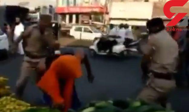 کشتی کج کار سرشناس پلیس را ضربه فنی کرد + فیلم / هند