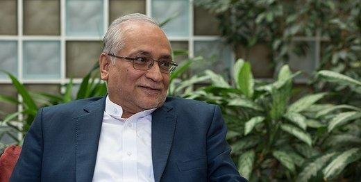 واکنش کیهان به اظهارات حسین مرعشی در باره تعارض اختیارات رهبری و رئیس جمهوری