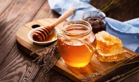 تشخیص عسل طبیعی؛ ۸ دروغی که به شما گفته اند