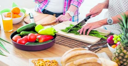 با چند راهکار ساده ماندگاری میوه و سبزیحات را چندین برابر کنید