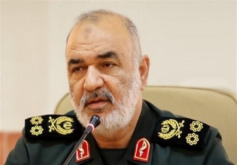 جمهوری اسلامی صاحب اراده است در برابر هیچ دشمنی کرنش نمیکنیم