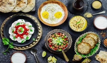 غذا خوردن بعد از ماه رمضان/ دستگاه گوارش آسیب نبیند