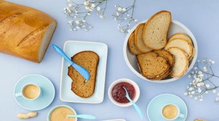 یک نان رژیمی و خوش طعم برای صبحانه تان درست کنید