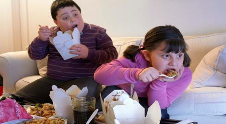 اگر میخواهید کودکی چاق و بیمار نداشته باشید اینکار را انجام دهید