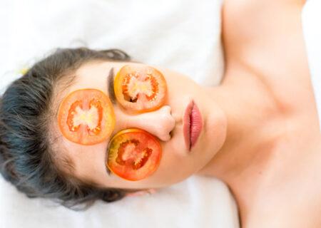 ماسک گوجه فرنگی؛ درمان انواع مشکلات پوستی