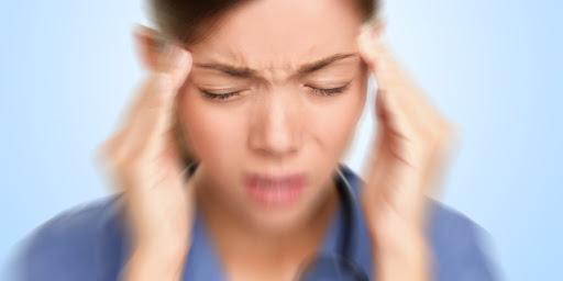 علت و دلایل سر درد در ماه رمضان