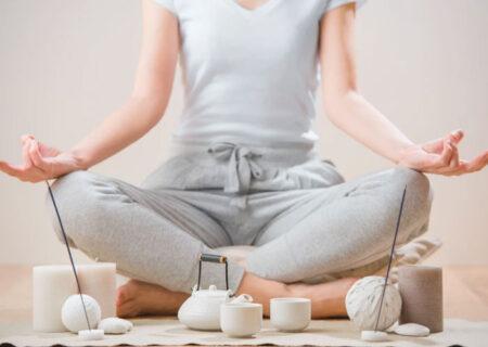 یوگا در خانه؛ چند راهکار که بتوانیم در خانه یوگا انجام دهیم