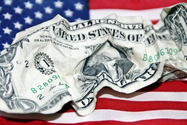 دلار آمریکا زودتر از پیشبینیها بی ارزش می شود