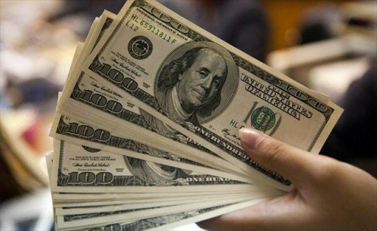 یوان در  برابر دلار قد علم میکند/ضربان مالی جهان هنوز هم آمریکایی می زند