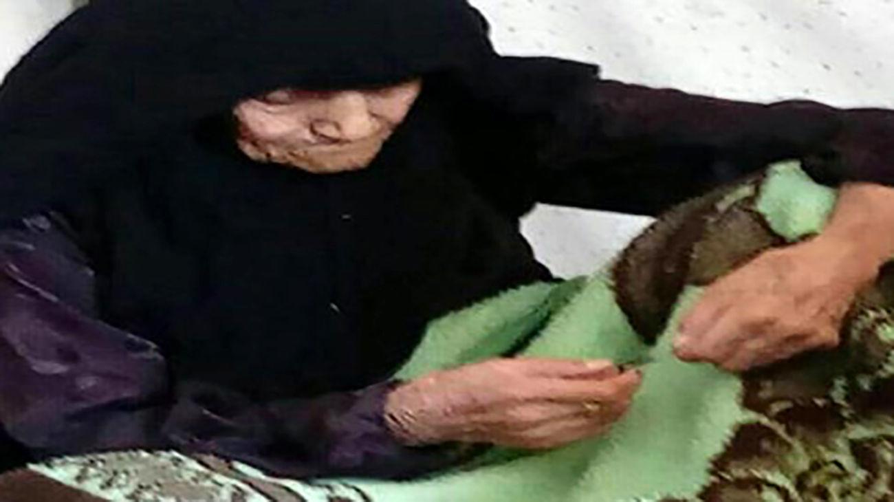 کرونا حریف زن ۱۰۵ ساله فریدونشهری نشد + عکس