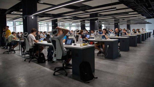 شغل های پشت میزی باعث تقویت مغز میشوند!