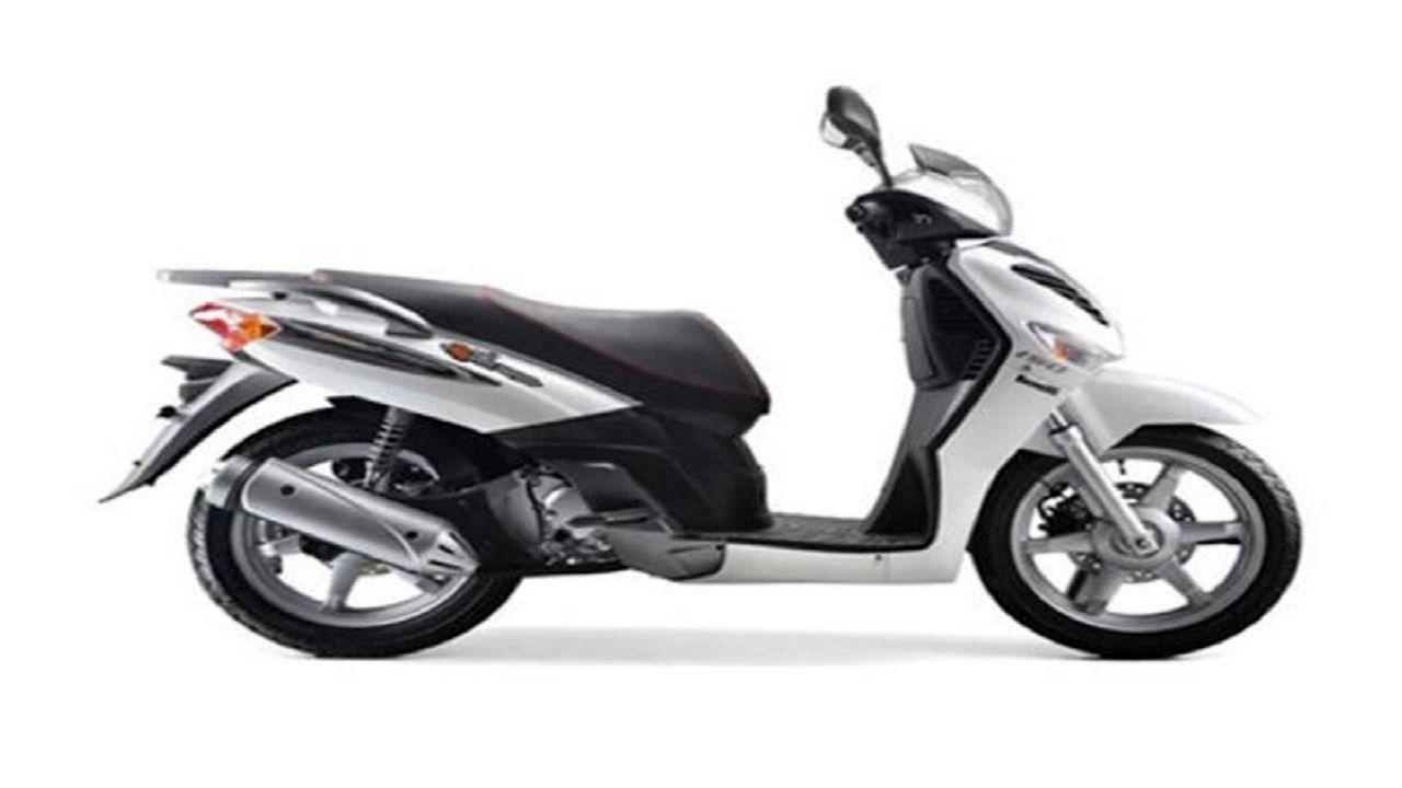 معرفی و بررسی موتورسیکلت بنلی کافه نرو ۱۵۰