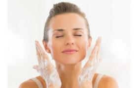 پاکسازی صورت در خانه با روش های خانگی