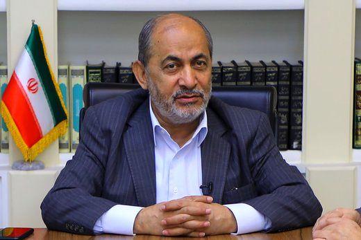 واکنش عباس عبدی به خاطرهگویی رفیقدوست درباره انتخاب احمدینژاد؛ چرا همان ۱۵ سال پیش به مقامات امنیتی گزارش نکردید/ چرا همیشه در جریان آب شنا میکنید!