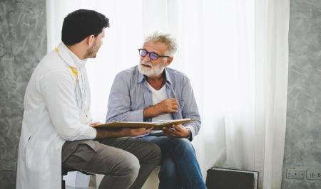 این۱۳ نشانه سرطان در مردان را جدی بگیرید!