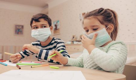 روش آموزش حفظ فاصله برای پیشگیری از کرونا به کودکان