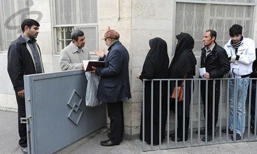 احمدی نژاد سیاستمدار غرغرویی که دوست دارد دیده شود و در قدرت باشد