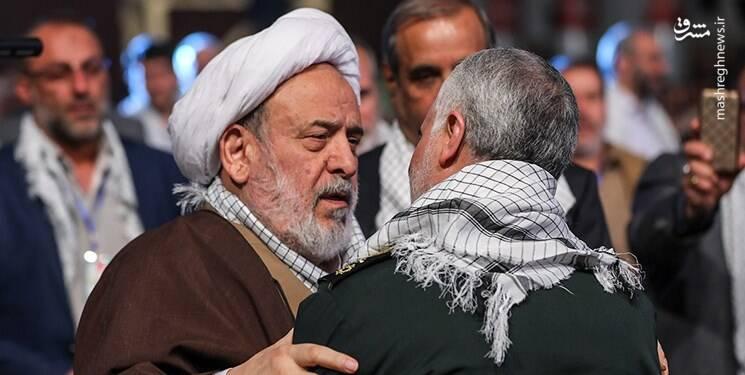 امام صادق (ع): خدا رحمت کند هر کسی که در گریه برای حسین ما فریاد و ناله بزند