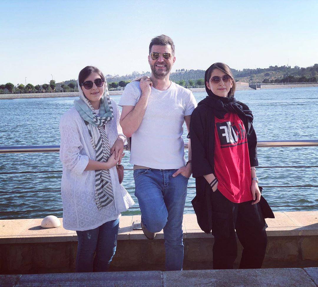 باربد بابایی در کنار دختران دوقلویش + عکس