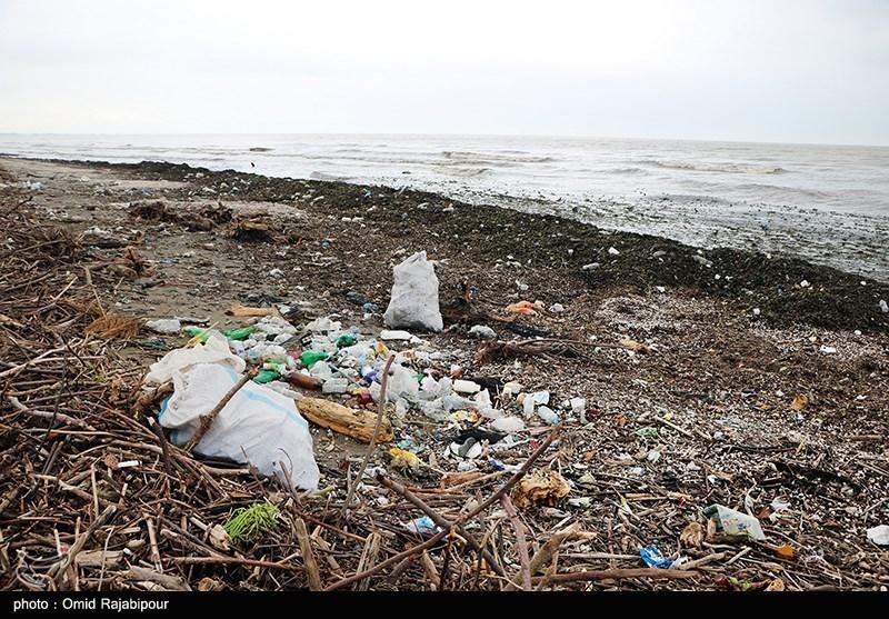 زباله های رودخانه ای در ساحل خزر + عکس