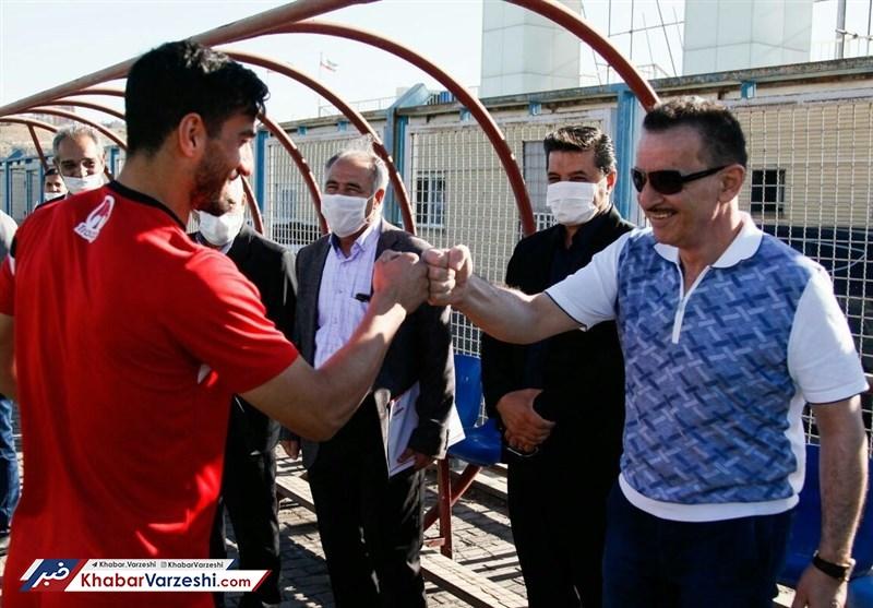 زنوزی – حاج صفی: جلسه ای برای جدایی از تراکتور