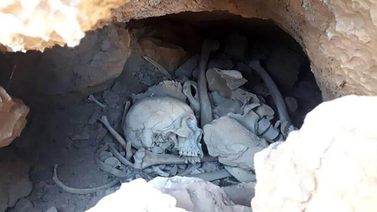 قتل هولناک در یک غار کوچک در سمنان / راز این اسکلت ها چیست + عکس