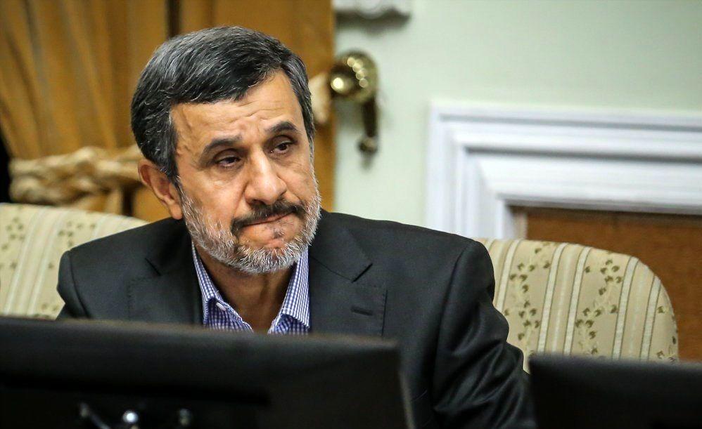 محمود احمدی نژاد آخر عمری در خانه بماند و راز و نیاز کند