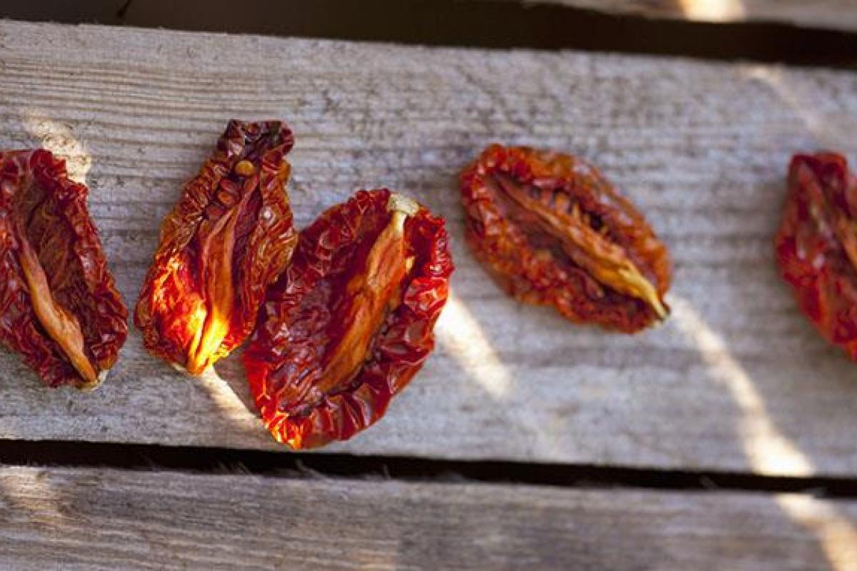 طرز تهیه گوجه خشک