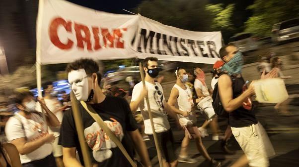 شعارهای جالب معترضان علیه نتانیاهو در موج جدید تظاهرات در اسرائیل؛ دورهات تمام شده!