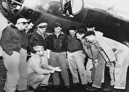خلبانان آمریکایی که در بمباران هیروشیما و ناکازاکی حضور داشتند + عکس