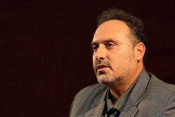افشین علاء: روشنفکری این نیست که با نظام مخالف باشیم