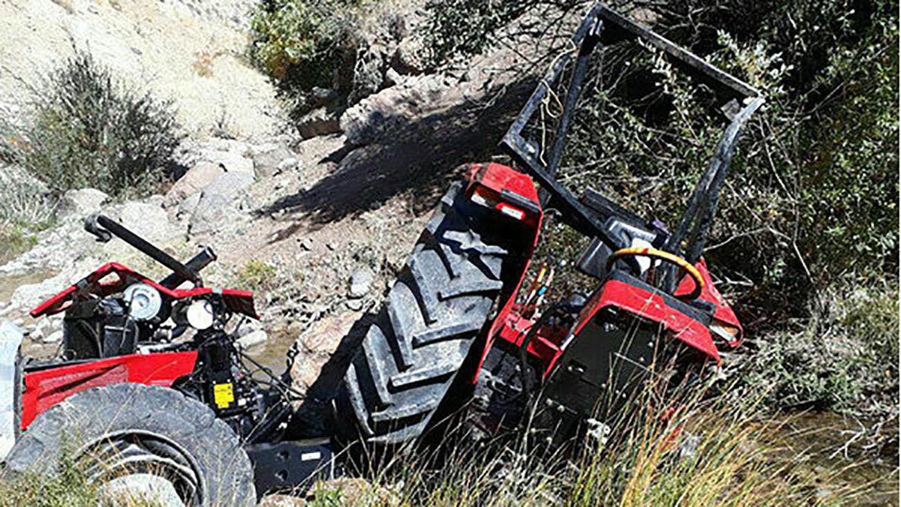 مرگ دلخراش جوان ۲۴ ساله در تصادف با تراکتور + عکس
